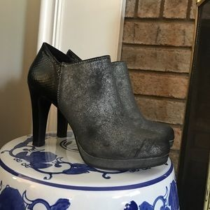 New Directions Metallic Silver and Black bootie